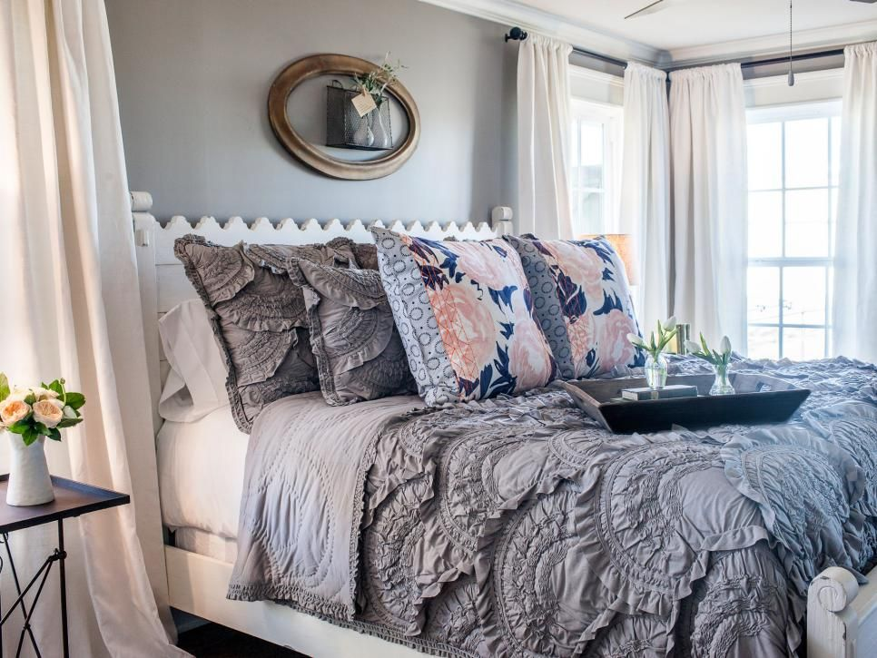 Fixer upper sneak peek holidays with chip and jo at - Joanna gaines bedding ideas ...