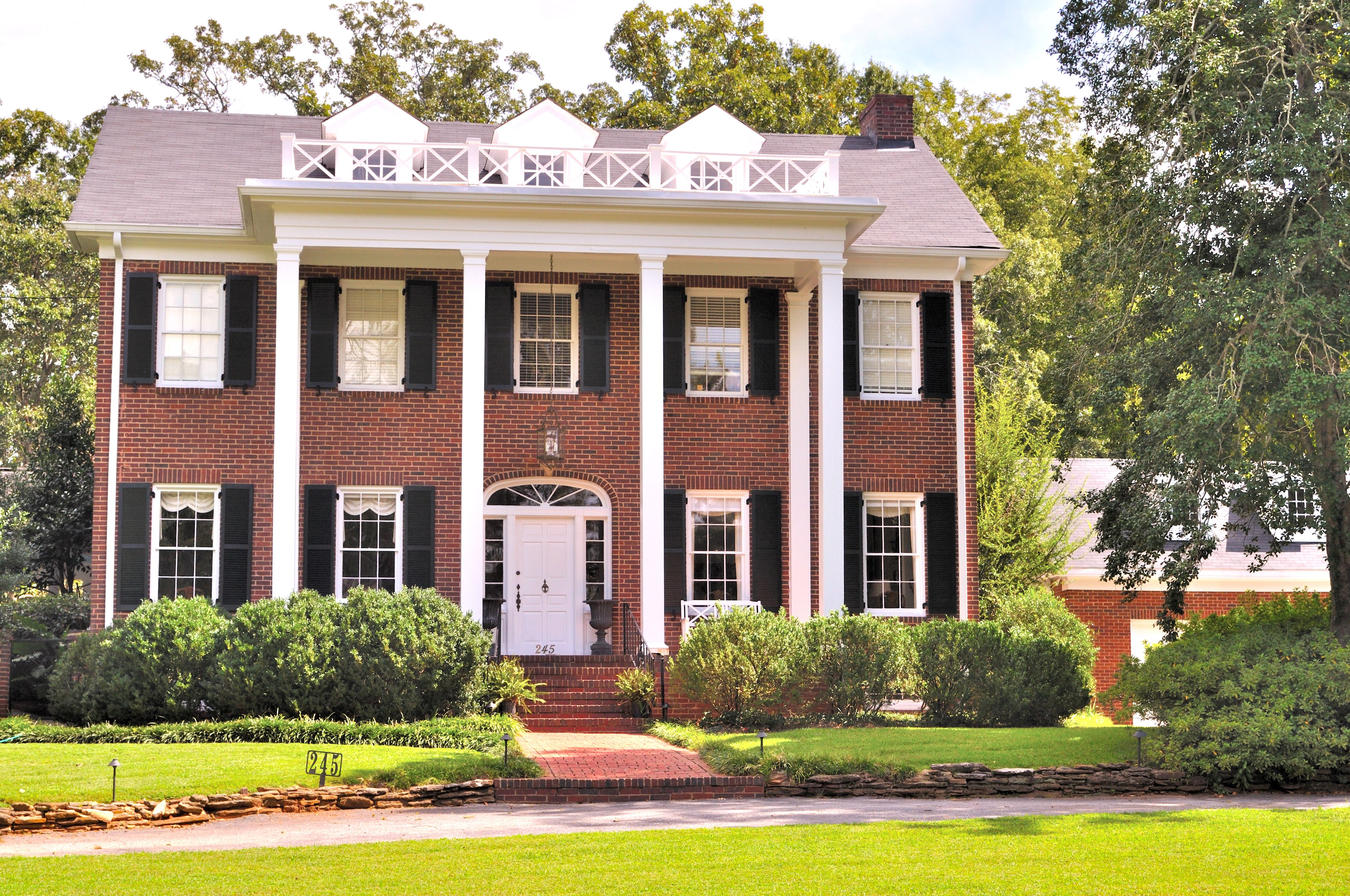 Brick House With White Trim House Red Brick House House Paint Exterior