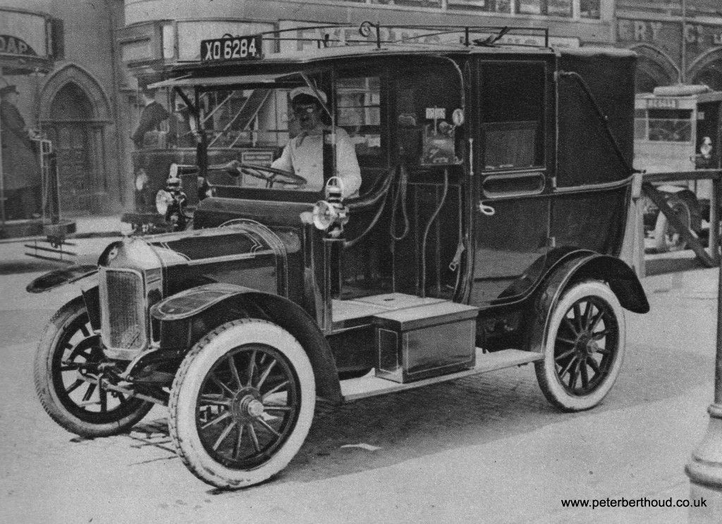 A London Motor Taxi, around 1907. Taxicabs are legally