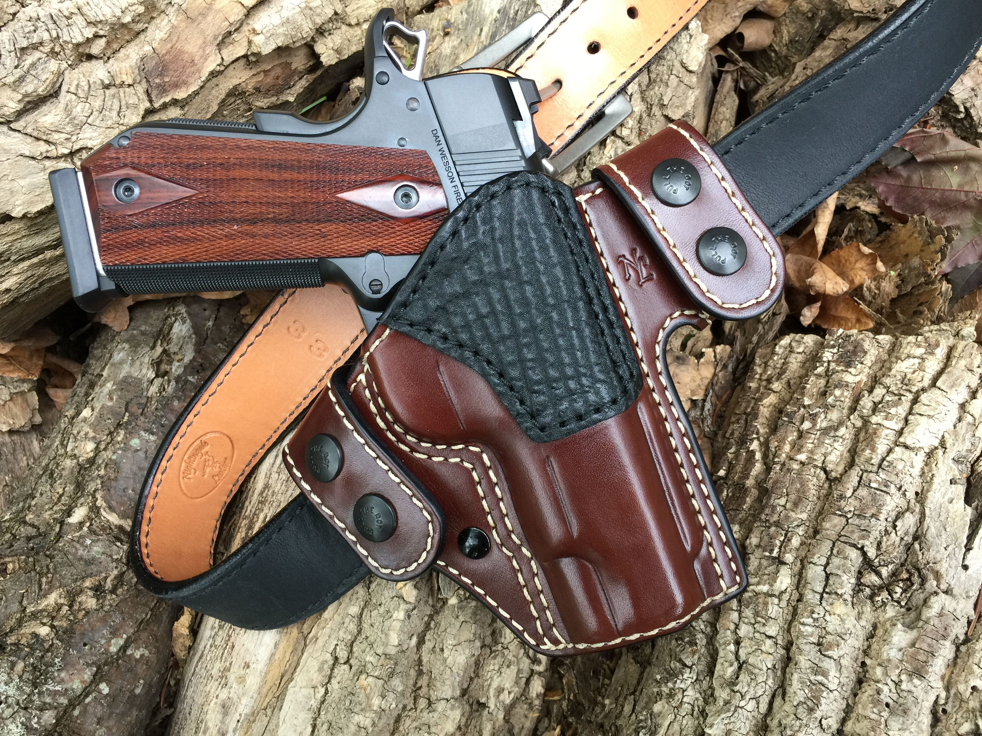 Nightingale Leather Dan Wesson VBOB 1911 Griffon V OWB