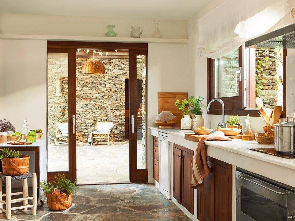 Abrir La Puerta Para Ir A Jugar Casas Rusticas De Piedra