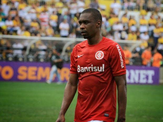 ONZE!FUTEBOL   Inter precisa se livrar de alguns jogadores que sã ... bf6a4e96ddb42