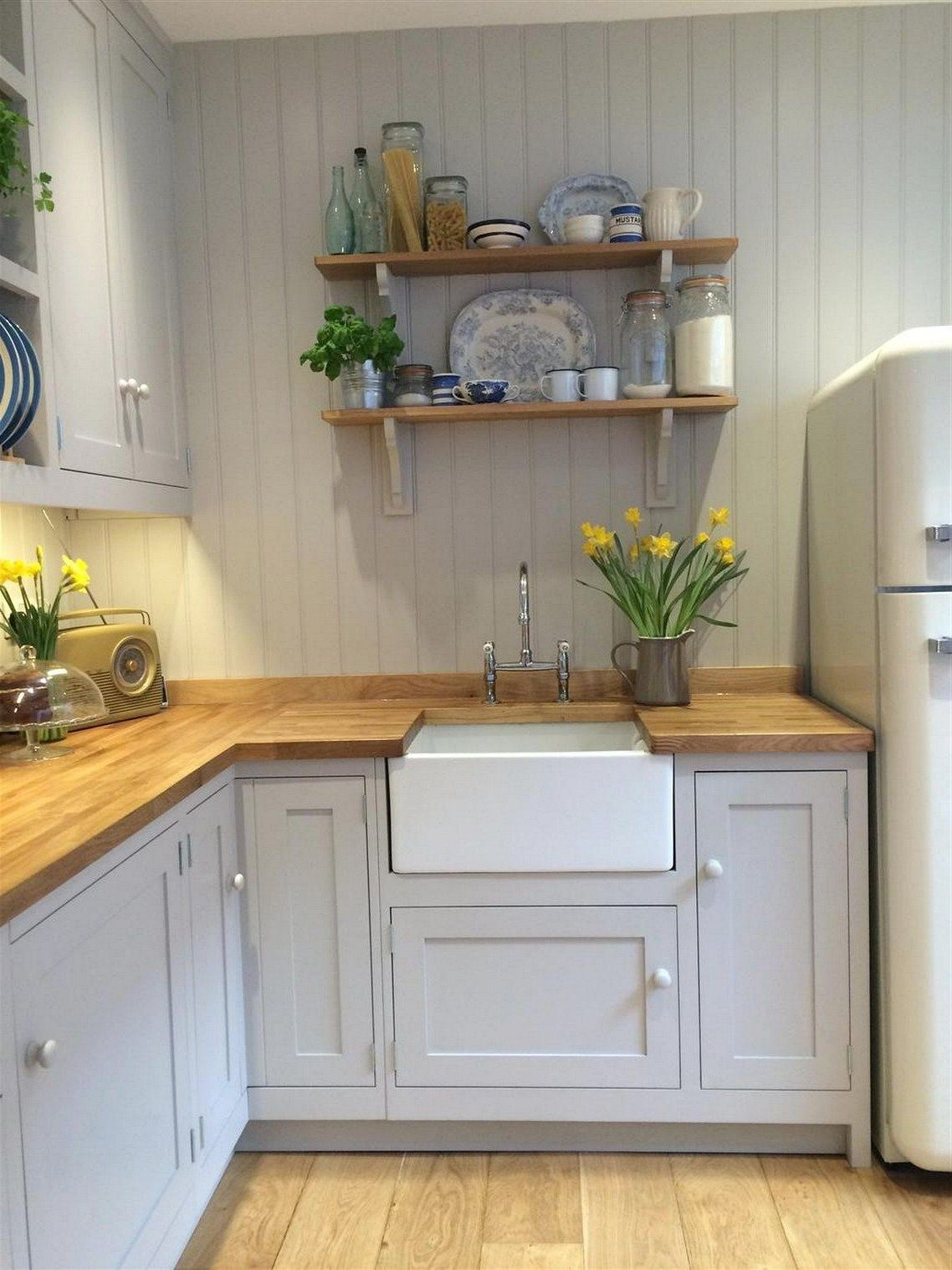 Pin By Indah Ratna On Kitchen In 2019 Small Cottage Kitchen