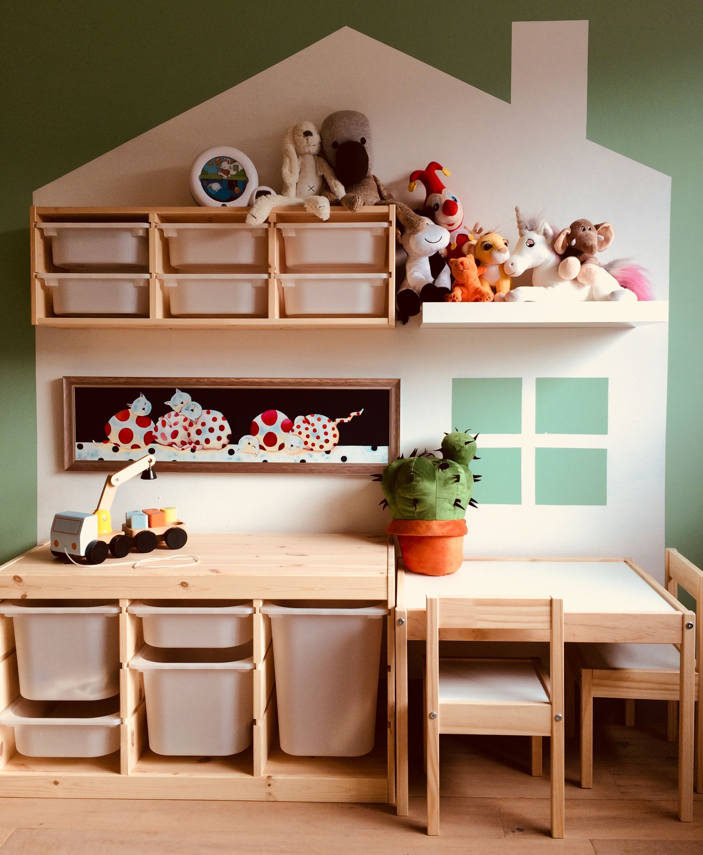 Kidsroom with Ikea Trofast and Latt Kids bedroom decor