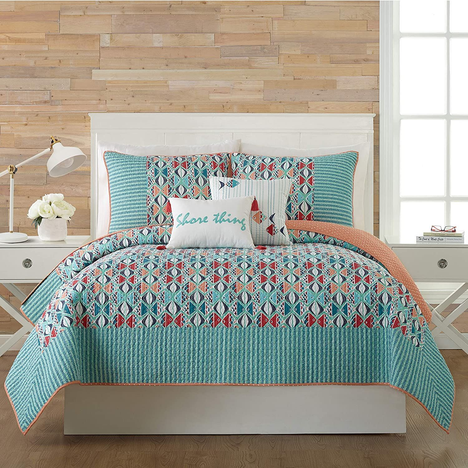 Beach Quilts Nautical Quilts Coastal Quilts Beachfront Decor In 2020 Beach Themed Bedroom Coastal Quilts Vera Bradley