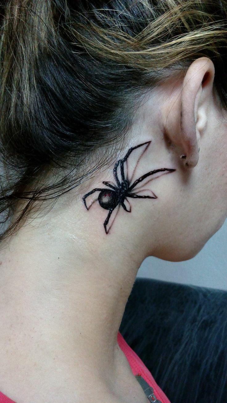 Тату паук на шее фото