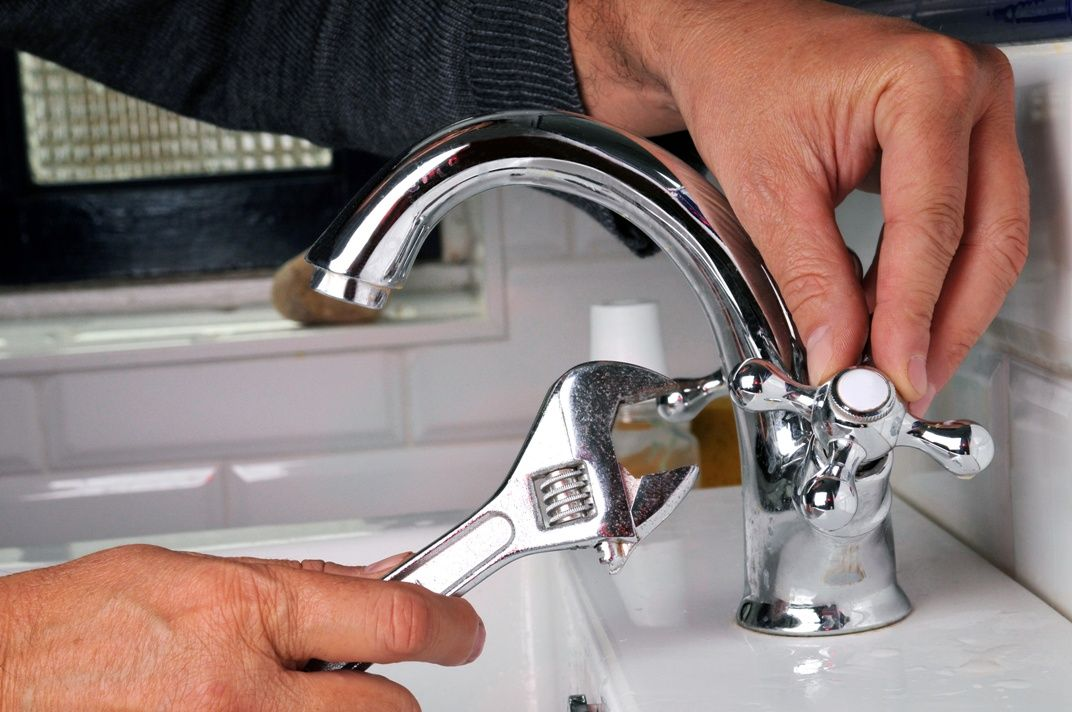 Essential Tips For Choosing A Reputable Plumber Plumbing Emergency Plumbing Repair Plumbing