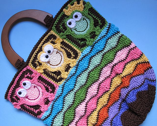 Ravelry: Toadally Froggin' Tote pattern by Marken of The Hat & I.