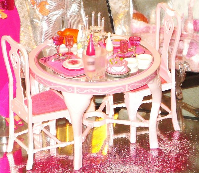 Barbie Dining Table You Could Flip The Center One Side Was Pink And Other Mirrored