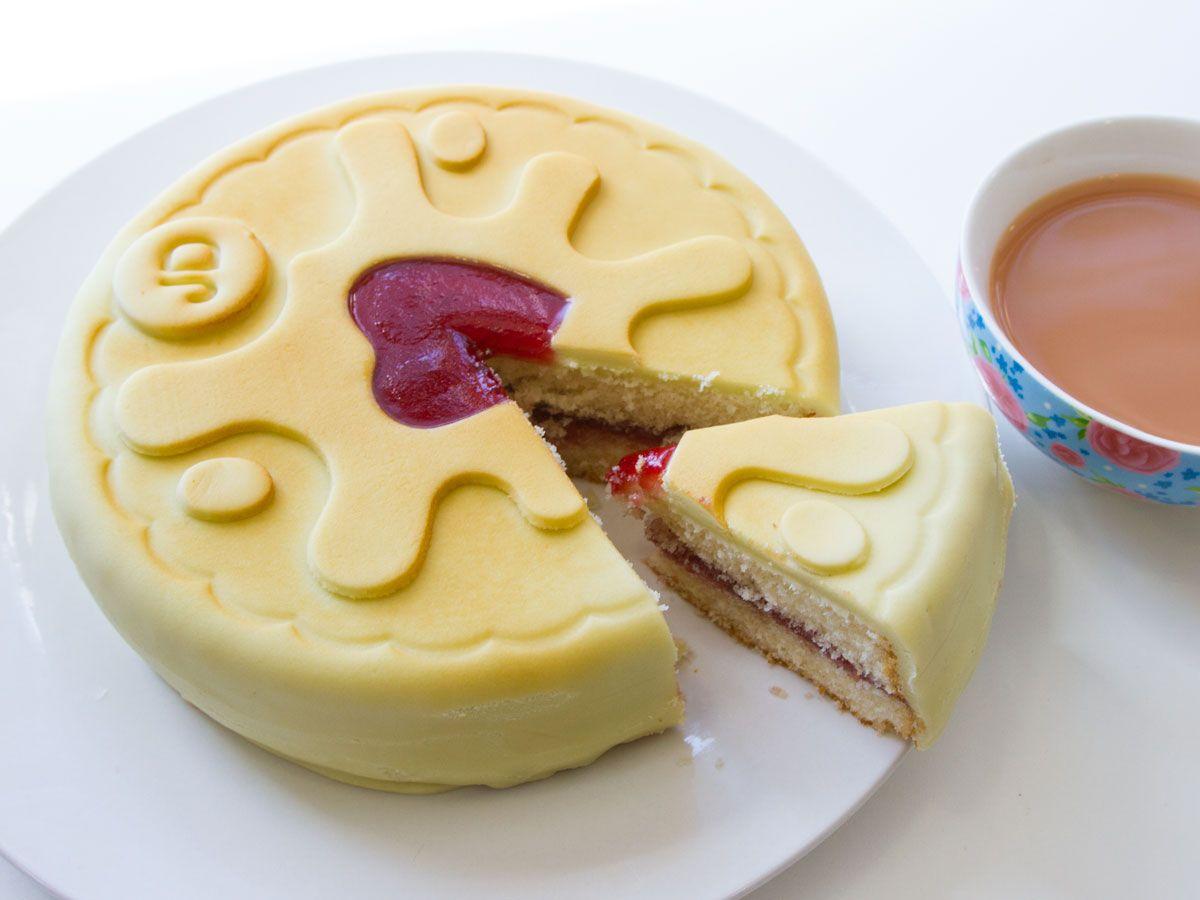 Jammie Dodger Cake 7