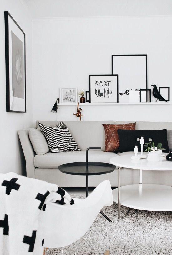 Moderne Wohnzimmer Einrichtung im skandinavisch / monochromen Stil ...