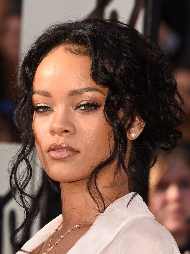 The Best Makeup On The Mtv Movie Awards Red Carpet Rihanna Hairstyles Hair Styles 2014 Celebrity Hairstyles