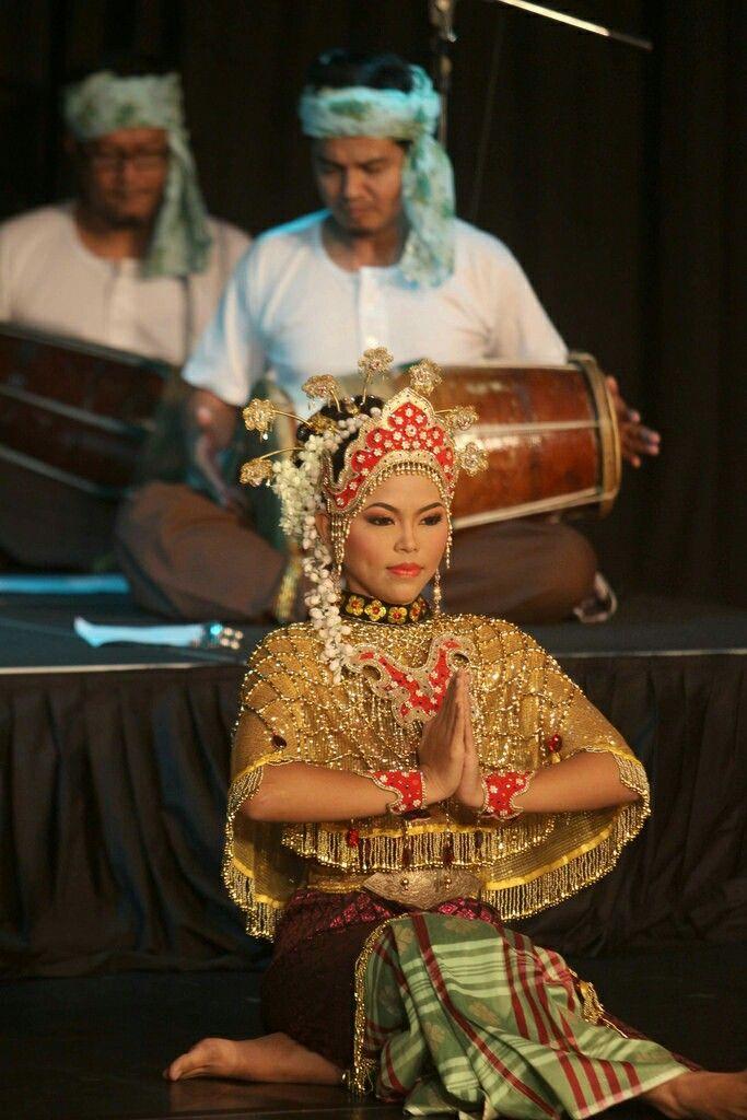 เด็กไทย กับ ชุดไทย Thai kids in traditional dress #