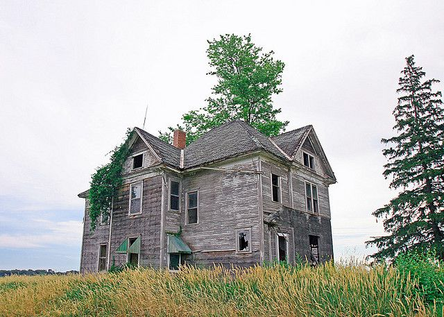 Haunted House Abandoned Farm Houses Abandoned Houses Creepy Houses