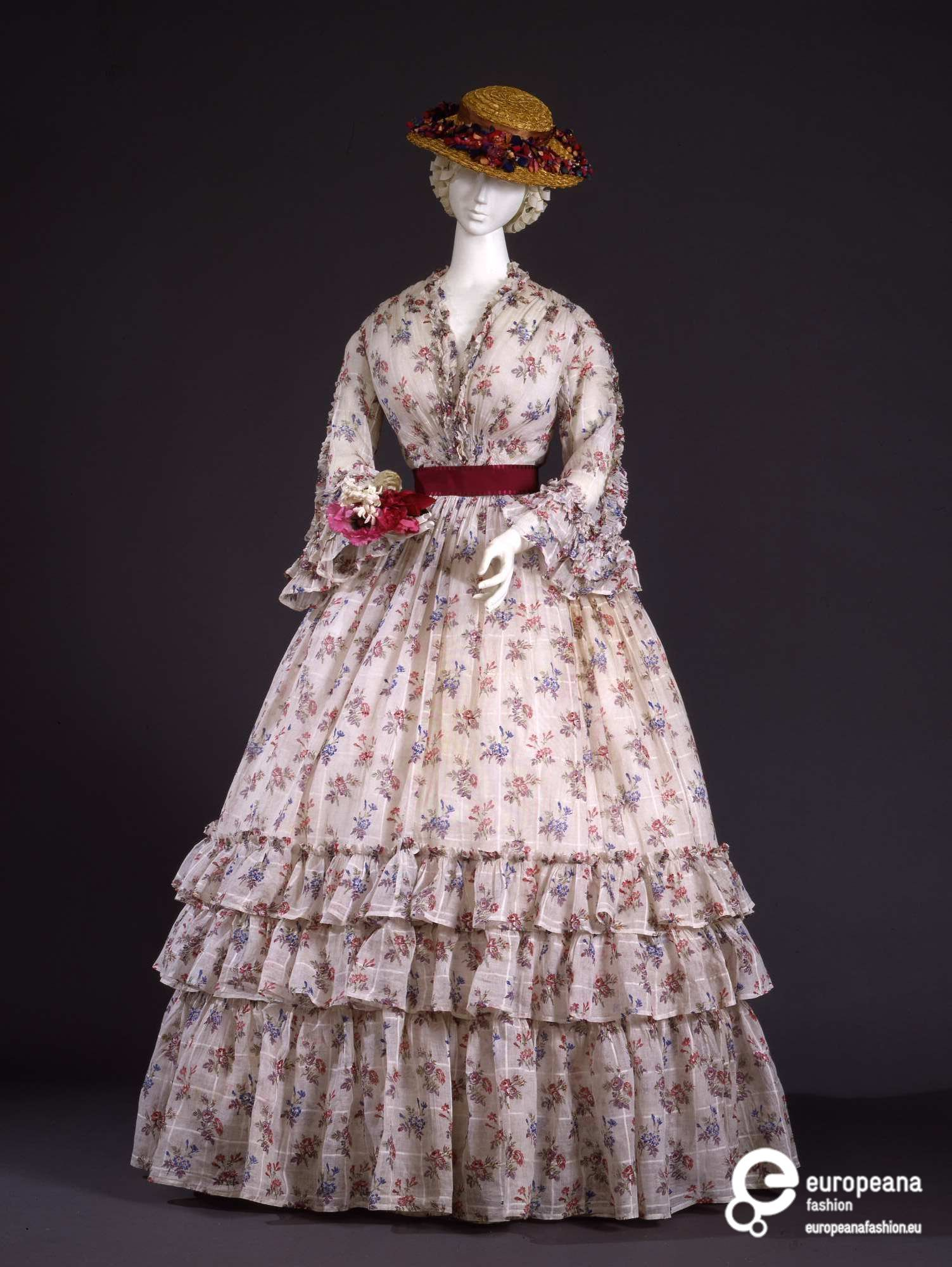 Abito Femminile Historical Dresses Victorian Fashion Printed Summer Dresses [ 2000 x 1503 Pixel ]