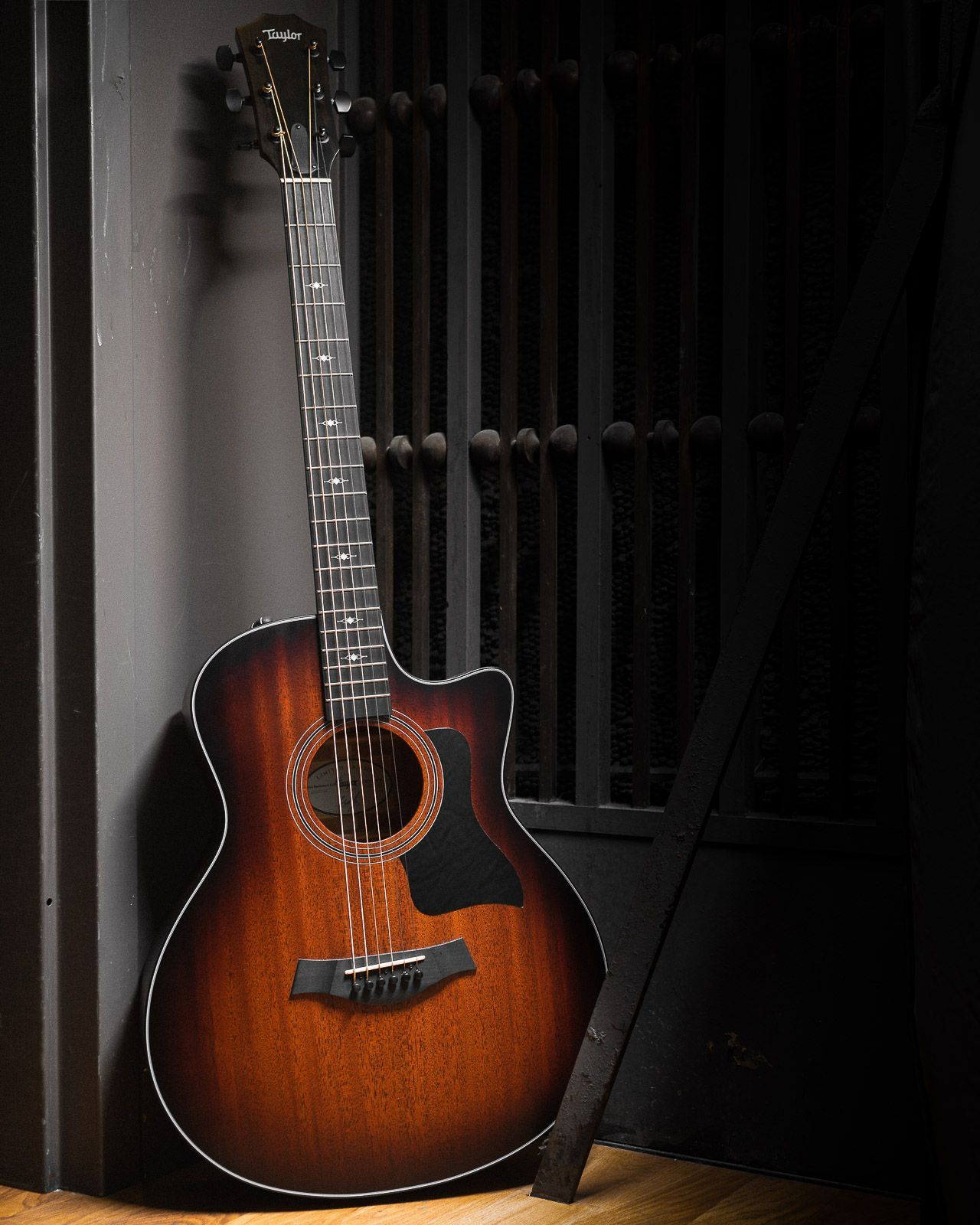 Taylor 326ce Baritone 6 Ltd Tropical Mahogany Blackwood Es2 Baritone Baritone Guitar Blackwood