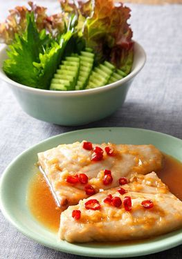 魚調理ベトナムスタイル. Vietnamese-style simmered fish (Photo by Katsumi Oyama)