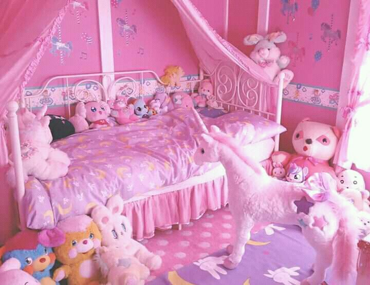 32 Dreamy Bedroom Designs For Your Little Princess: DADDY KINK & AGEPLAY