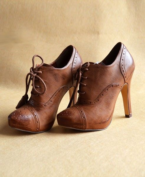 74c8eae2285f Vintage Brown Point Toe Ankle Boots with High-heeled and Cut Out Design