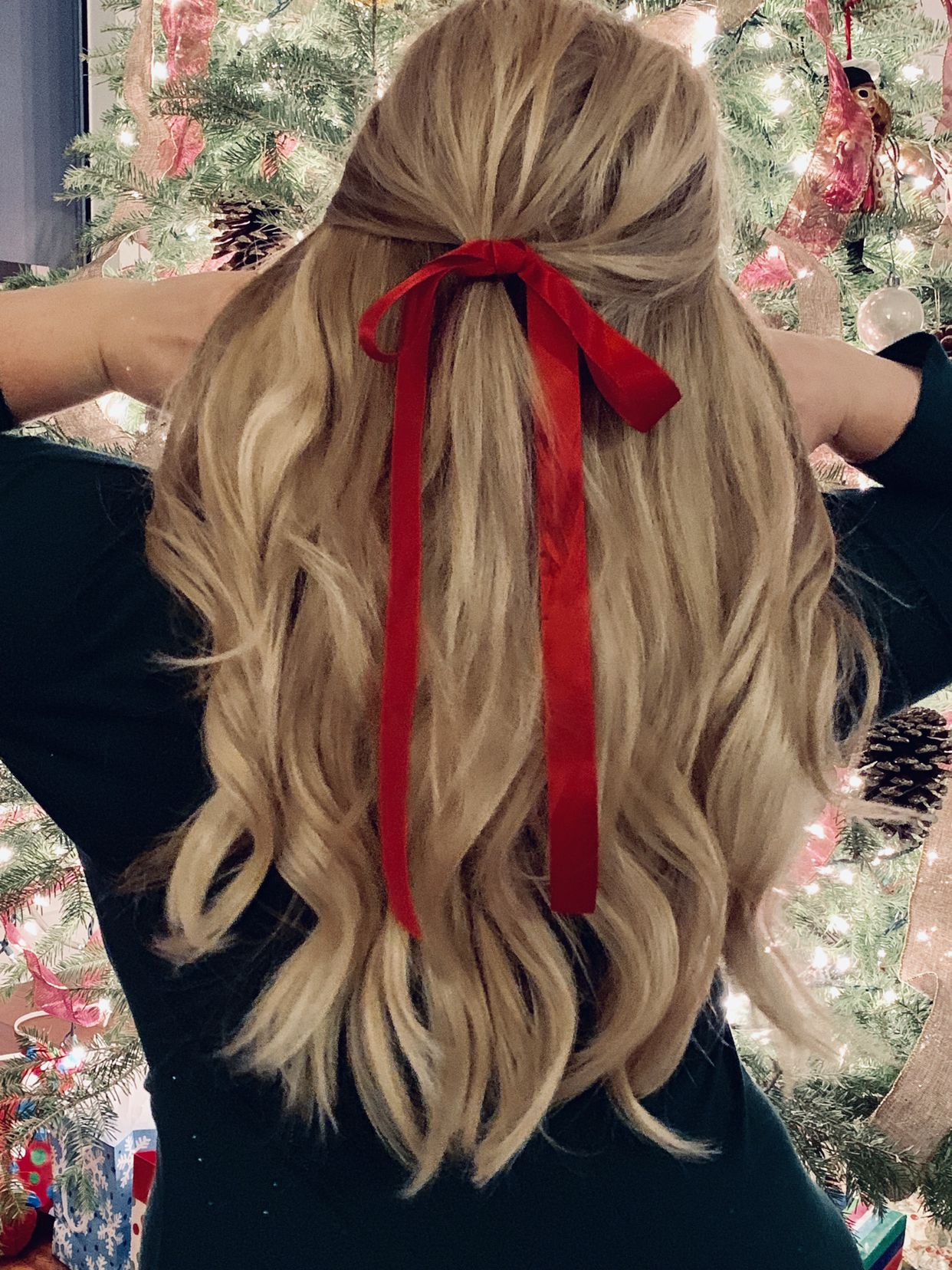 Hair Bow Holiday Style Bow Hairstyle Hair Styles Ribbon Hairstyle