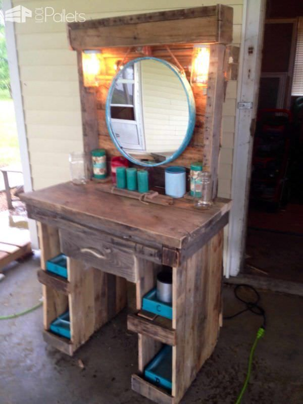 Makeup Vanity Made From Reclaimed Wooden Pallets Wood Pallet