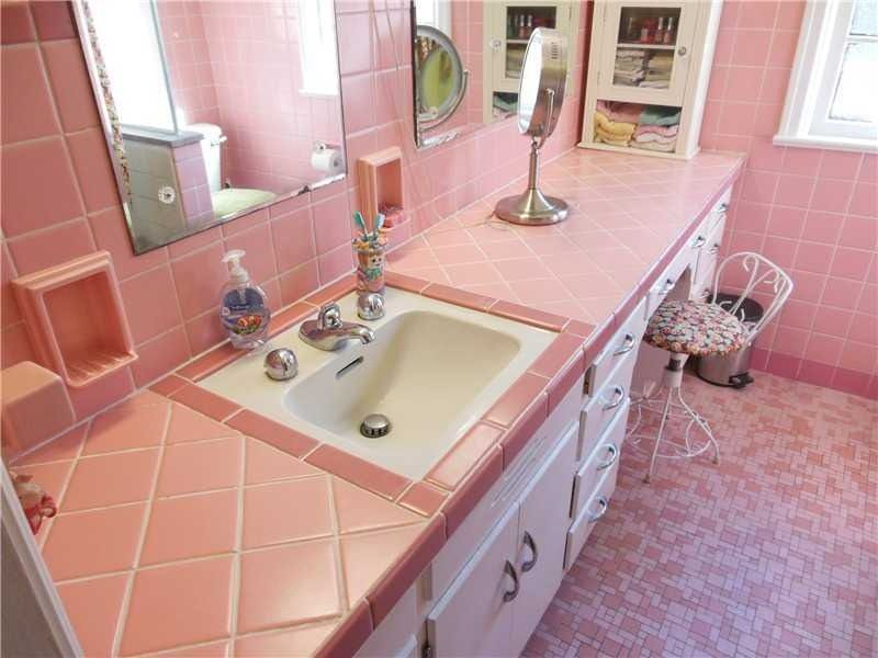 You Could Just Go Total 1960 Mid Century Modern Bathroom Vintage Bathrooms Modern Vintage Bathroom
