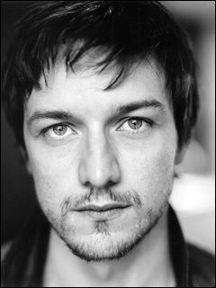 I have the biggest crush on James McAvoy. Meow hes so hot