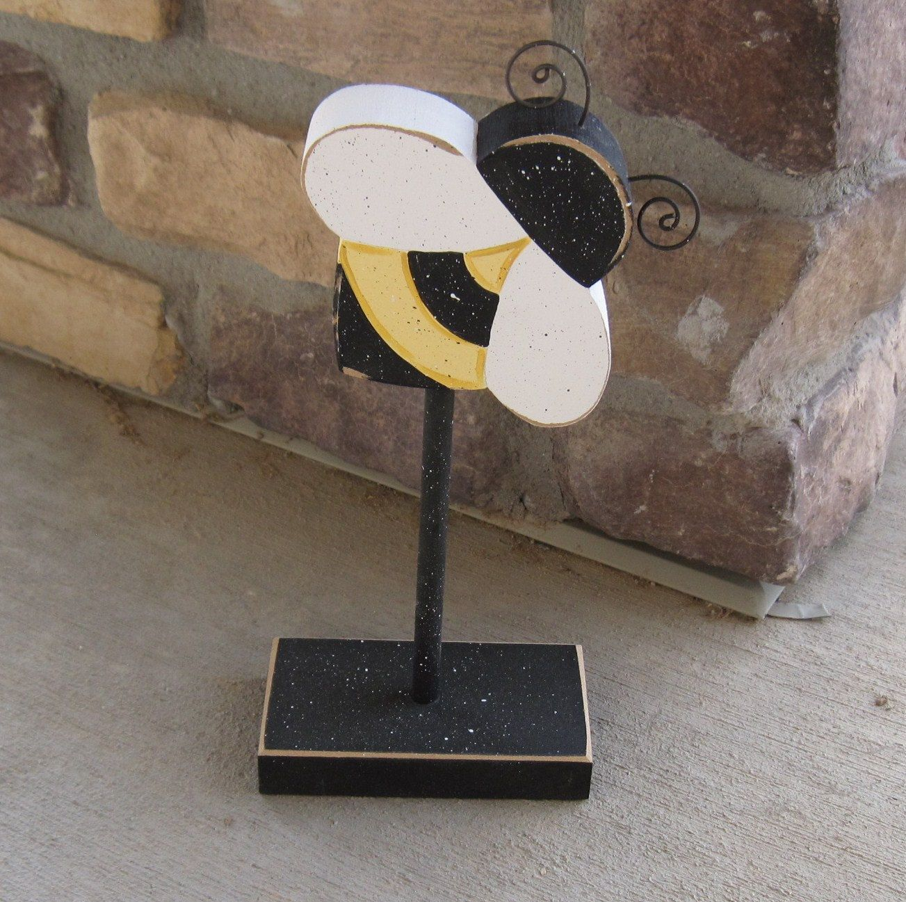 Tall standing bumble bee block for bee decor girl room for Bumble bee mural