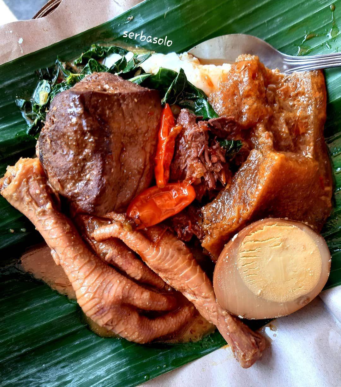 Kuliner Makanan Khas Solo Jawa Tengah Bubur Gudeg Ceker Bu Sri
