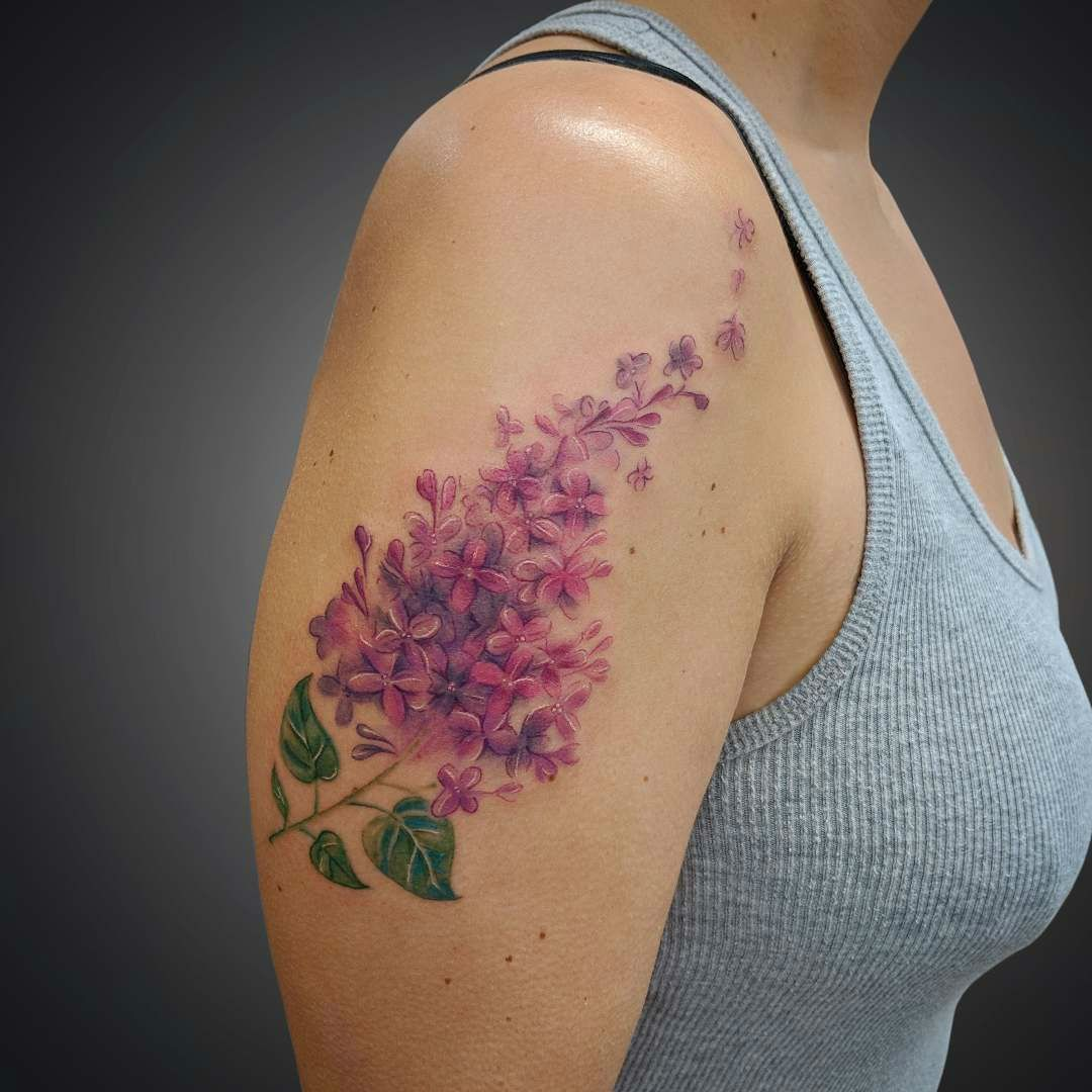 Top 20 Lilac Tattoo Ideas And Their Symbolisms Lilac Tattoo Tattoos Tattoos For Women Flowers