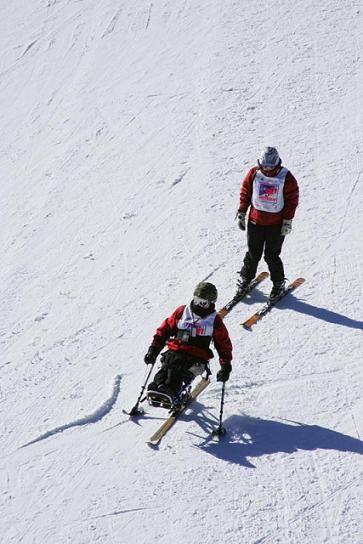 Esquí Adaptado Para Persona Con Discapacidad Esquí Persona Con Discapacidad Discapacidad
