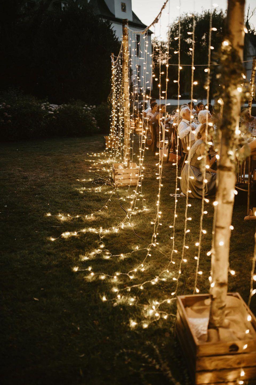 Schlosshotel Gartrop: Outdoor-Hochzeit unter Lichterketten – Hochzeitswahn – Sei inspiriert