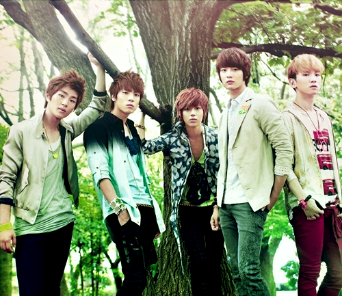 SHINee: The first Kpop group I encountered, SHINee is best