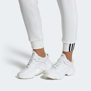 Magmur Runner Shoes | Runners shoes, Shoes, Adidas shoes ...