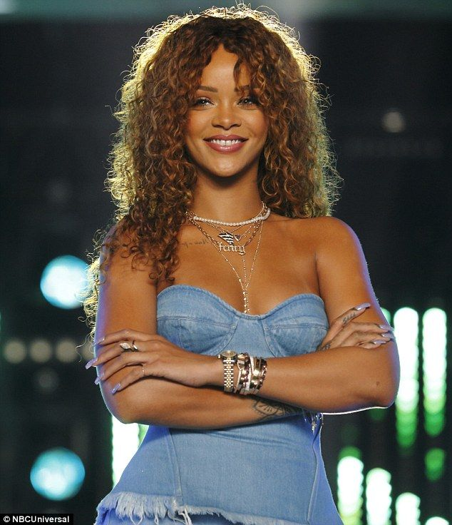 Photo of Rihanna takes over The Voice in sneak peek as special mentor