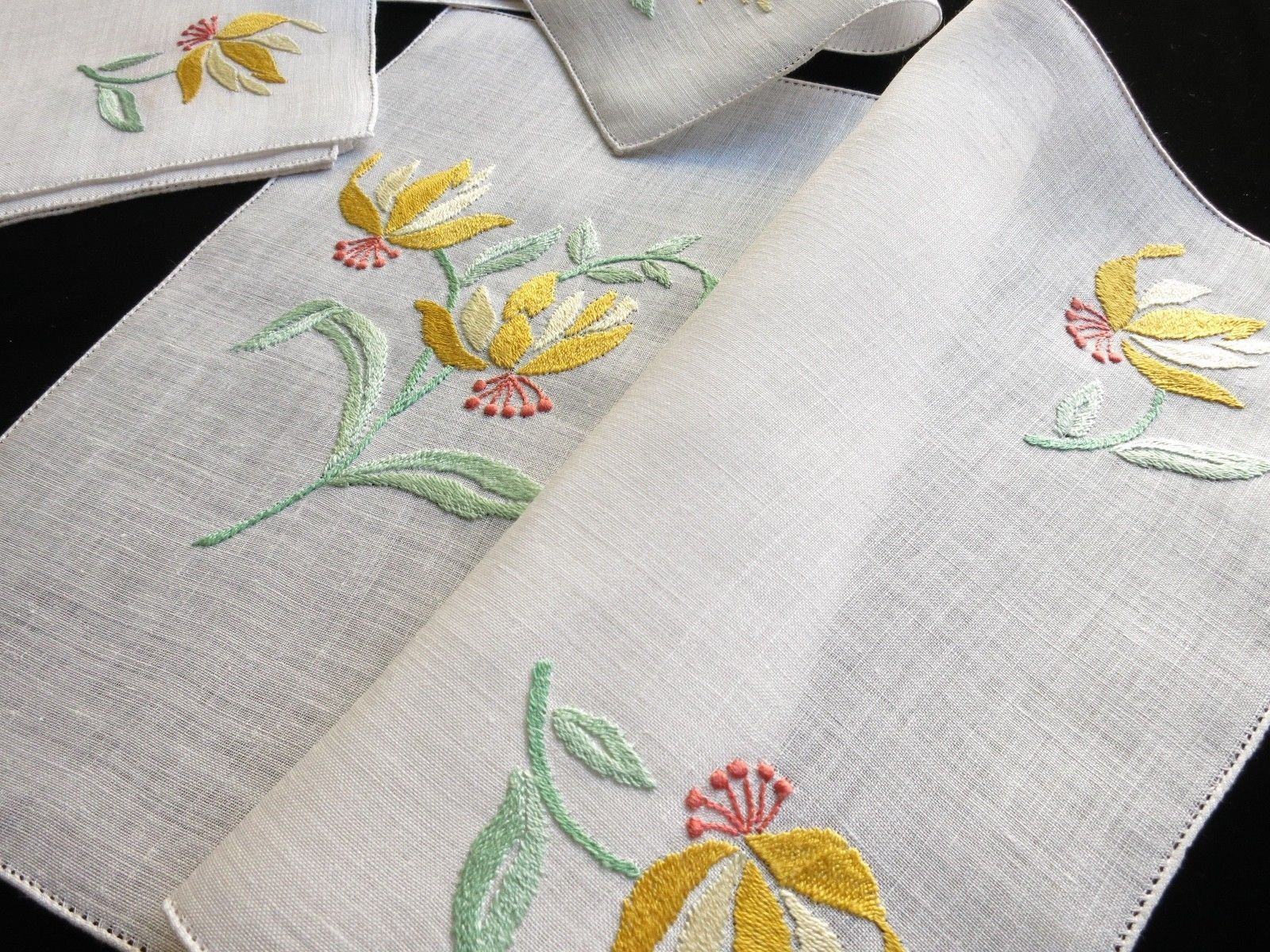 Bird Of Paradise Flowers Vintage Italian Hand Embroidery Linen 12pc Placemat Set Hand Embroidery Hand Embroidery Tutorial Embroidery Patterns Vintage