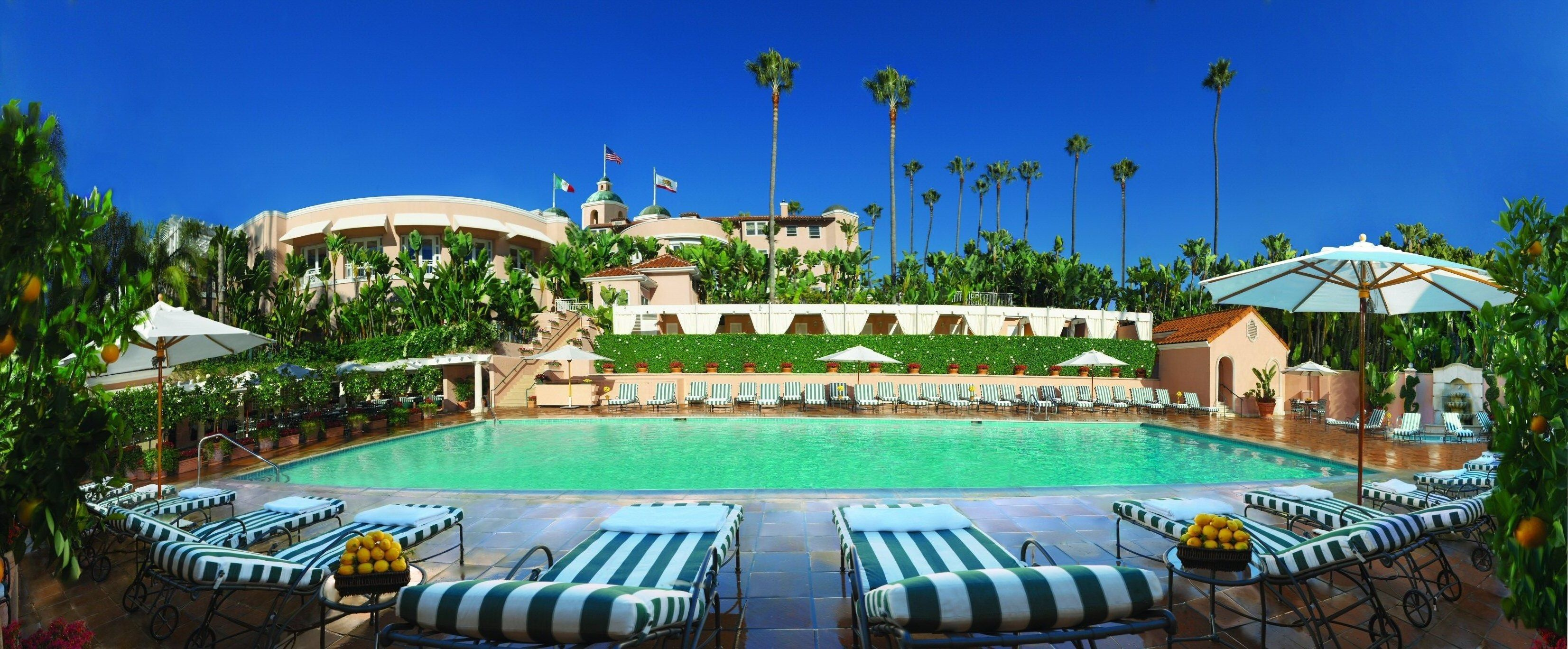 Lov Hotel Collection Beverlyhillshotel Largest Pool In L A I Love L A Bungalow