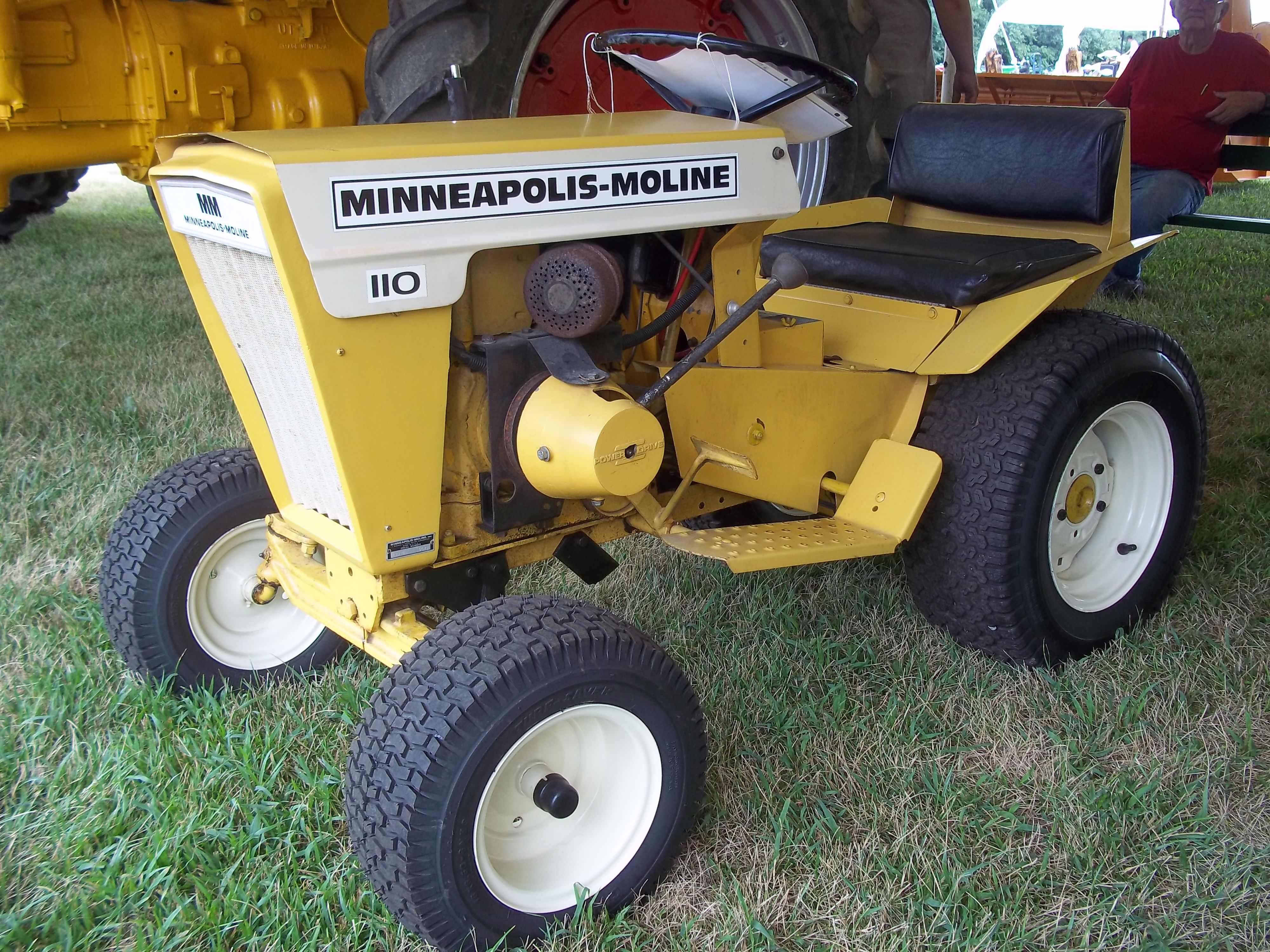 Mm lawn garden tractor