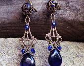 Boucles chandeliers royals bleu outremer bronze antique médiéval : Boucles d'oreille par coup-de-grace