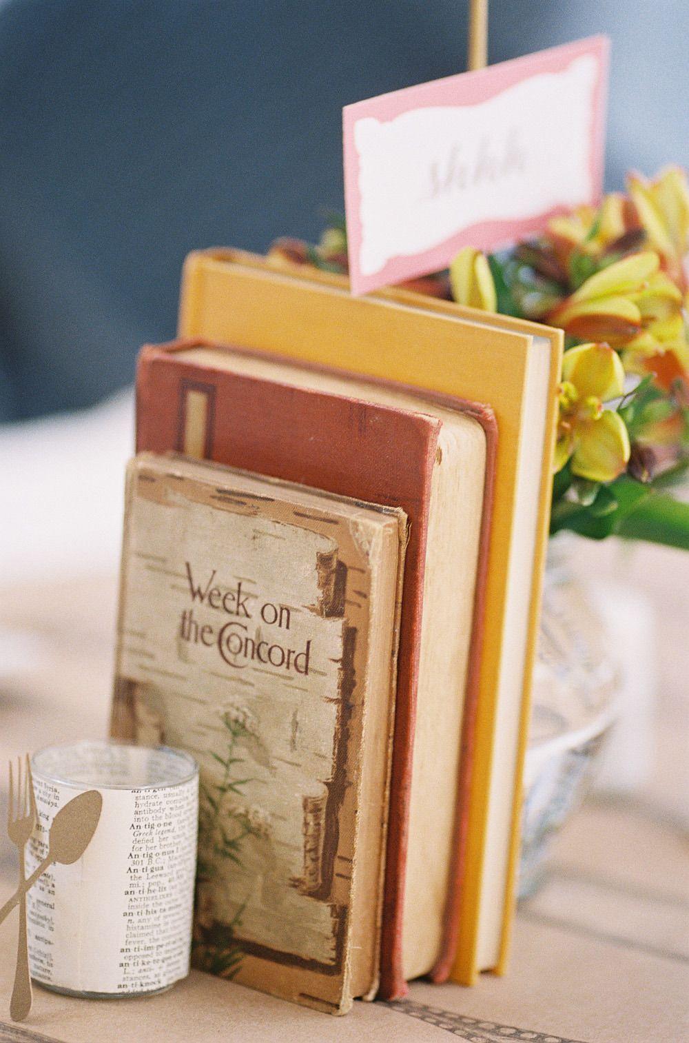 Library-themed birthday party / Photo by Caroline Tran Photography