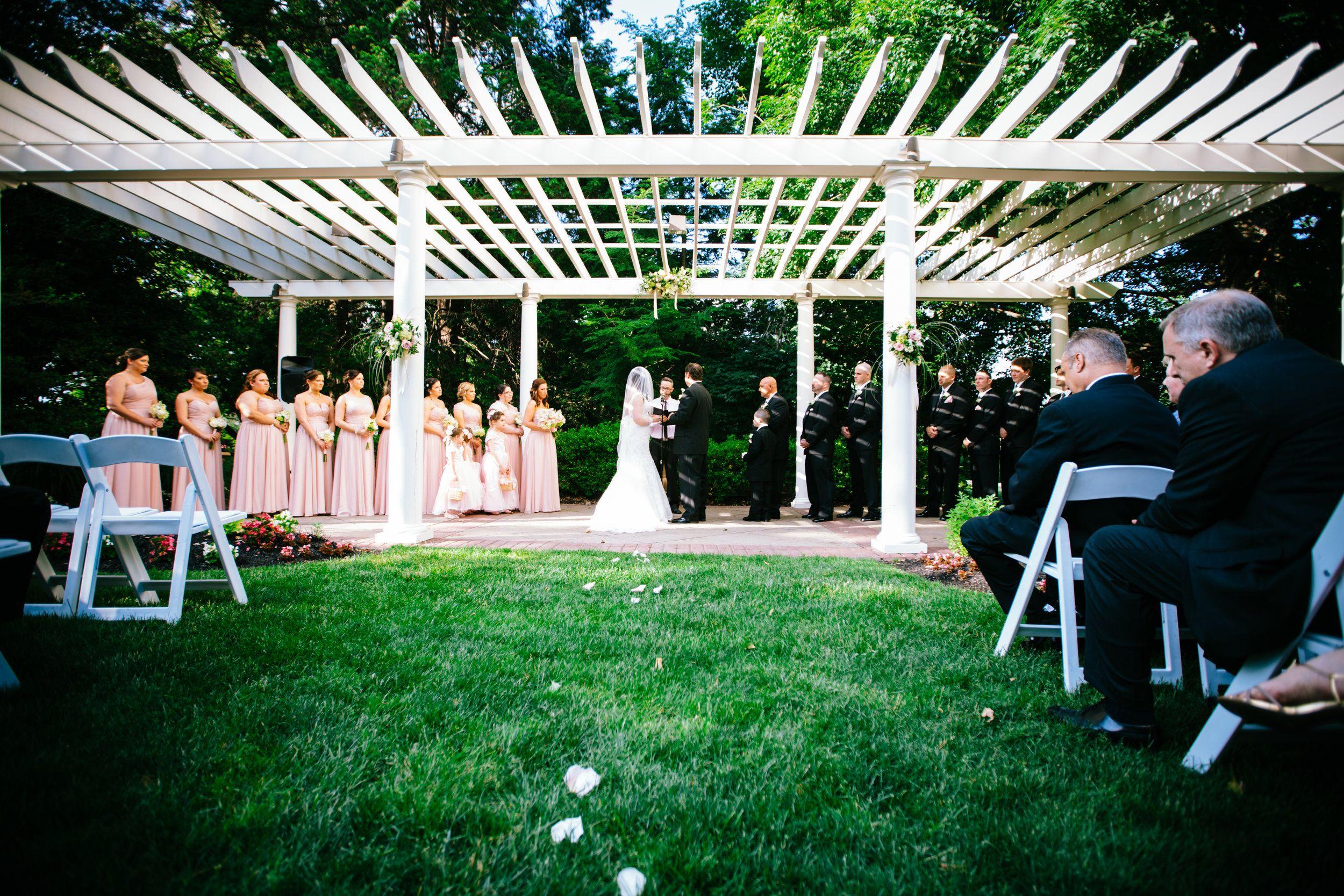 Philadelphia based wedding photographer, who enjoys the