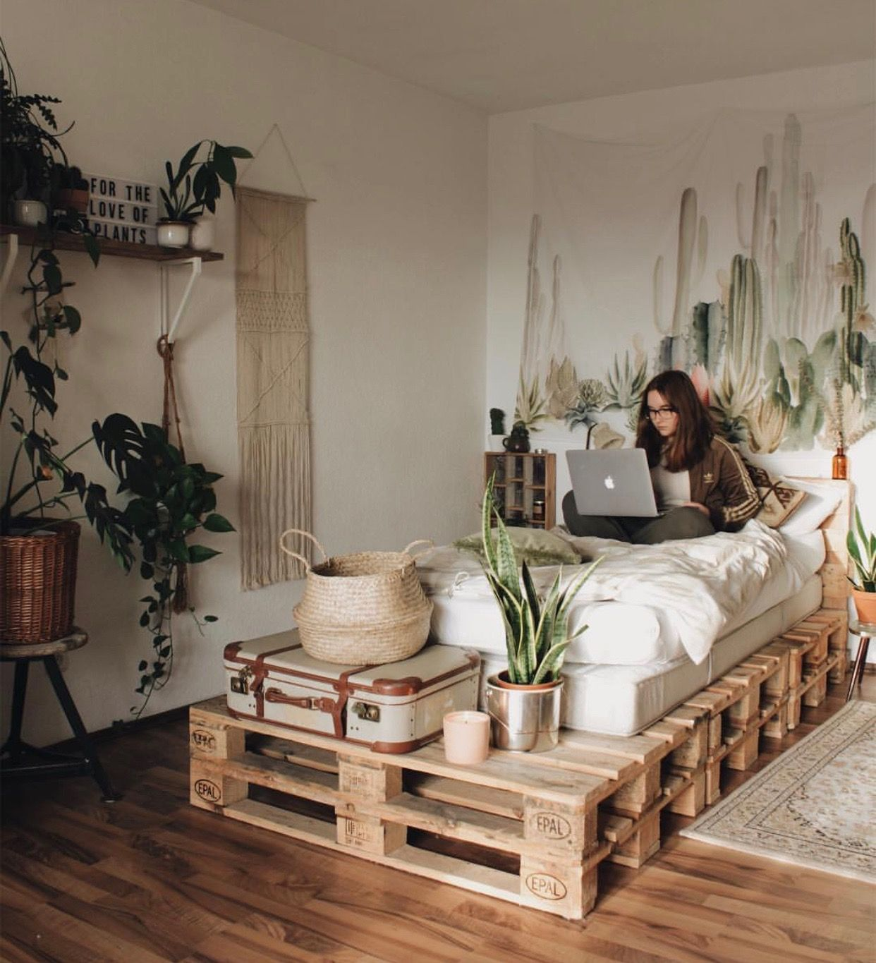 A wood pallet bed has been on the todo list for too long now