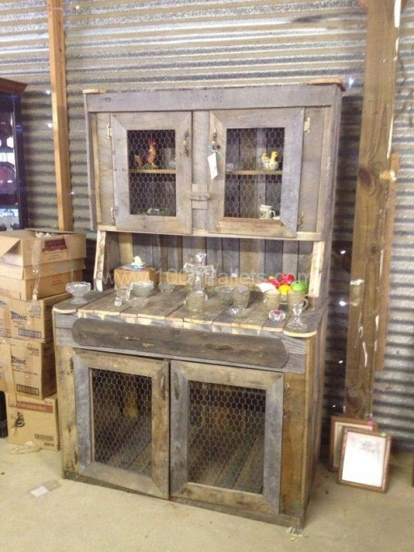 Pallet Hutch.....would lookreally cool in my mudroom
