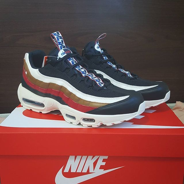 "finest selection f5344 1e861 NIKE AIR MAX 95 TT PRM ""PULL TAB"" Black Sail Ale Brown Gym Red"