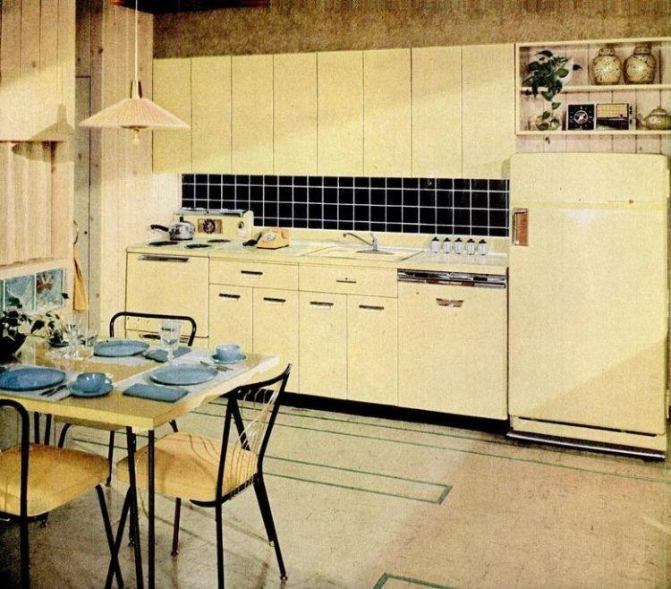 31 Retro Yellow Kitchens From Yesteryear Sunny Midcentury Home Decor Yellow Kitchen Vintage Kitchen Retro Kitchen