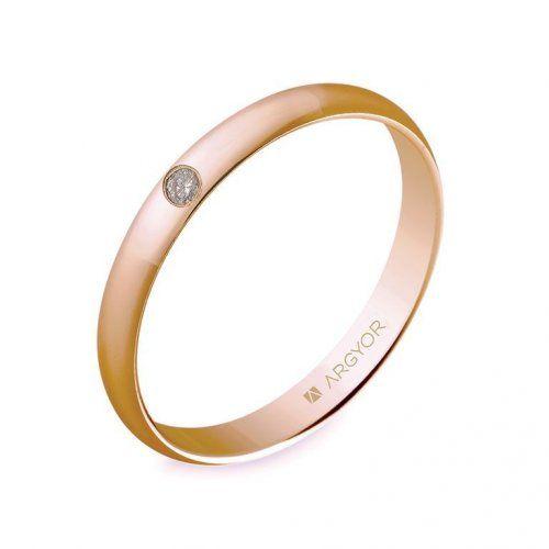 Alianza de boda clásica de oro rosa 18k con anchura 3mm y un diamante. Es un anillo de boda en forma de media caña clásica con acabado en brillo.
