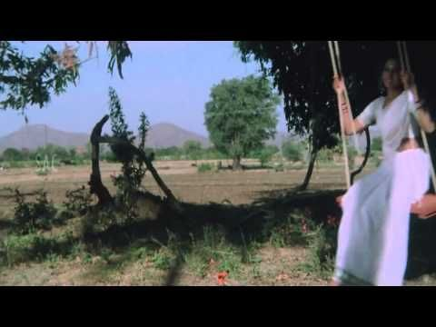 Song Senthoora Poove 16 Vayathinile Is An Indian Tamil Drama Film Written And Directed By P Bharathiraja In His Directorial Deb Drama Film Songs Comedians