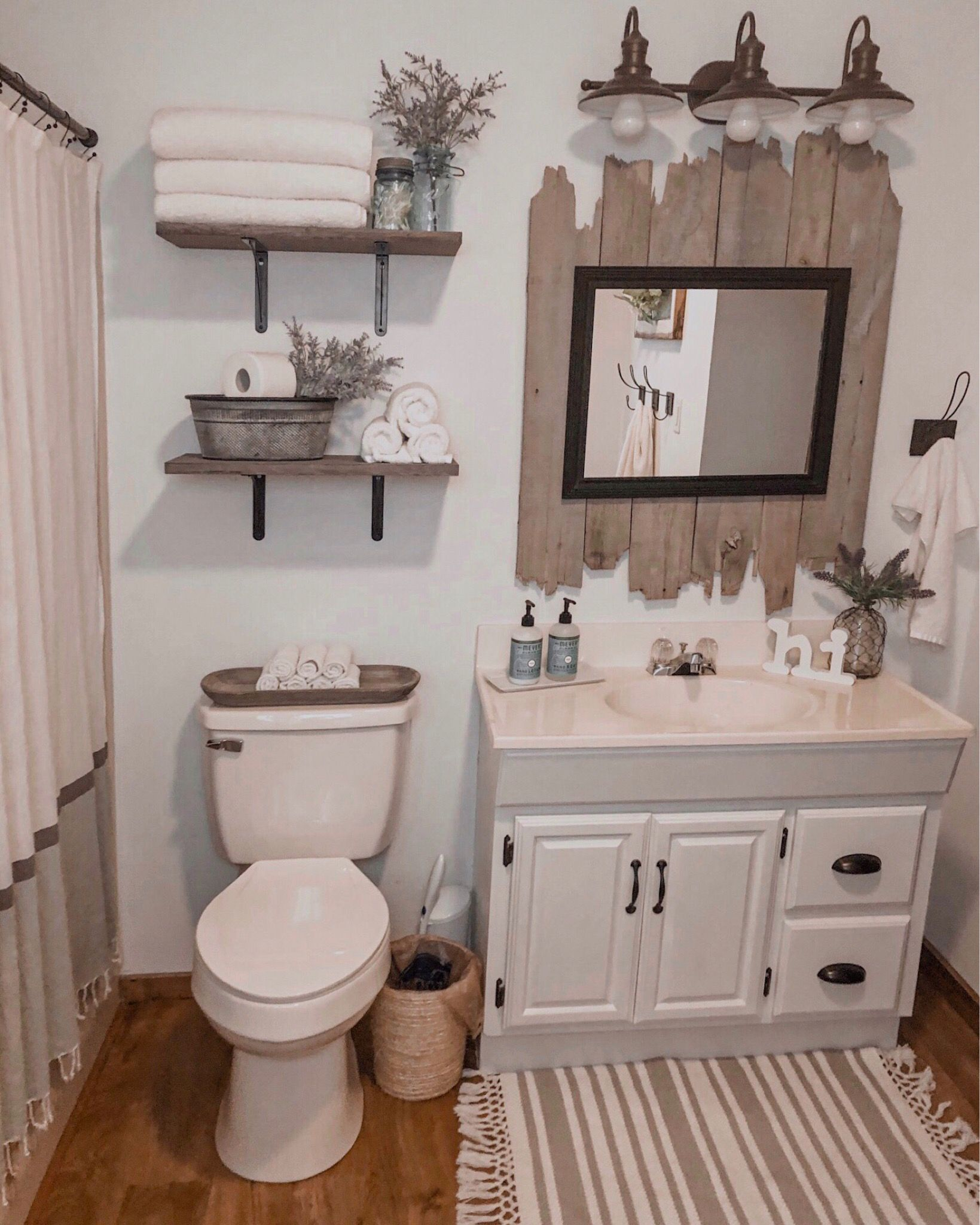 Farmhouse Bathroom Bathroom Decor Rustic Bathroom Rustic Bathroom Decor Bathroom Rem In 2020 Small Bathroom Decor Restroom Decor Farmhouse Bathroom Decor