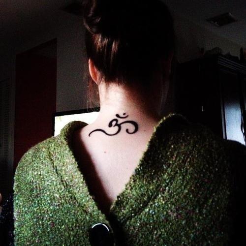 34 Neck Tattoos Designs For Women Girl Neck Tattoos Neck Tattoo Body Tattoo Design