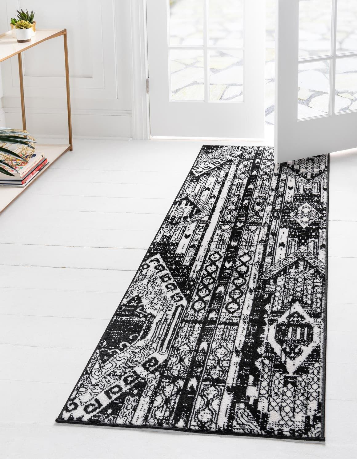 Black And White 2 2 X 12 Oregon Runner Rug Rugs Com In 2020 Rug Runner Black And White Runner